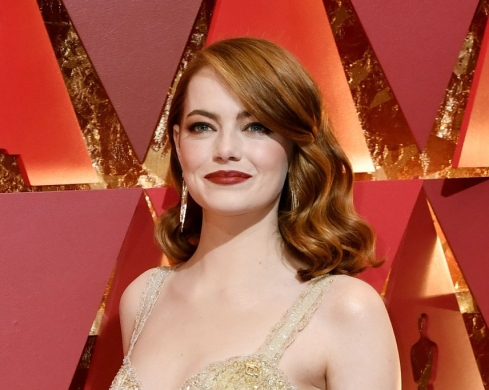 emma-stone-oscars-red-carpet-2017-1