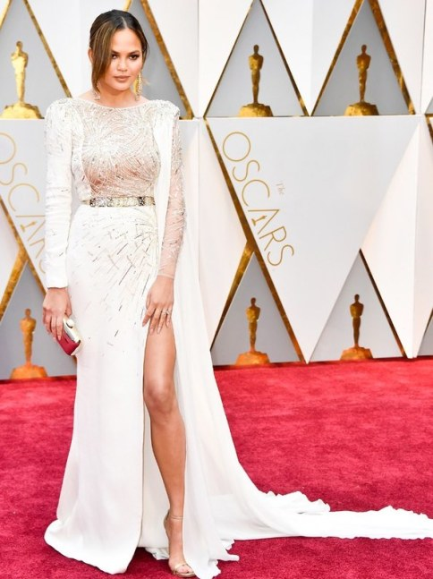 oscars-2017-best-dressed-chrissy-teigen